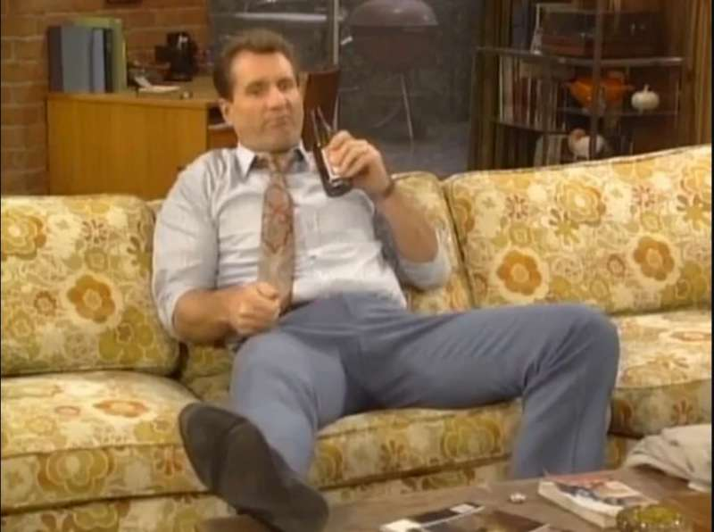 The Al Bundy way of drinking beer – Eva